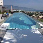Průhledná plastová střecha pro bazén